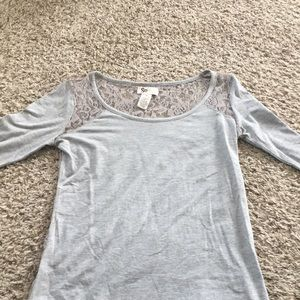 Tops - Lace,gray 3/4 length sleeve shirt